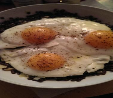 Image of Green Lentils with Courgette and Fried Egg