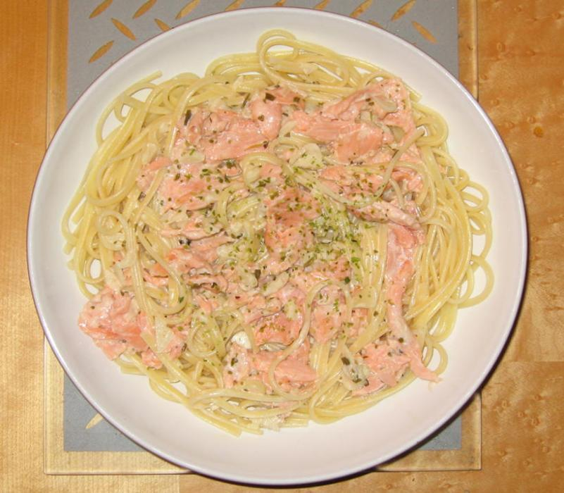 Image of Smoked Salmon Linguine with Tarragon and Seaweed Cream Sauce